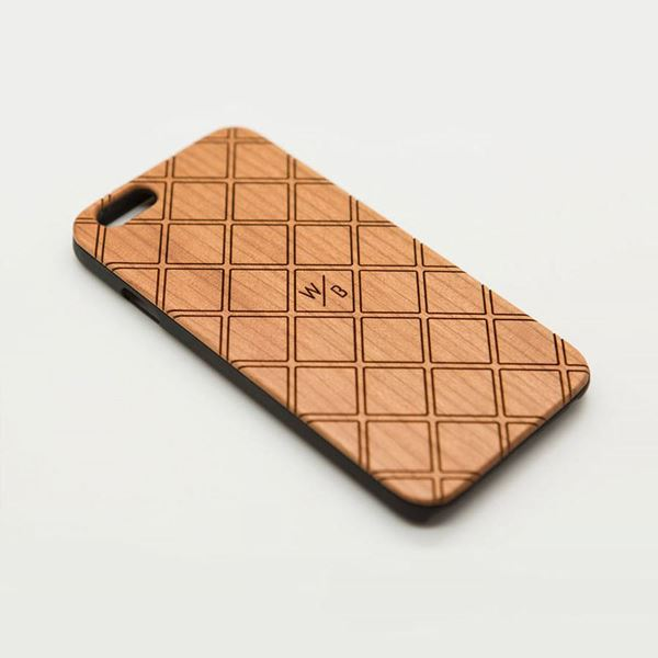 Picture of Checked Pattern Wooden Case